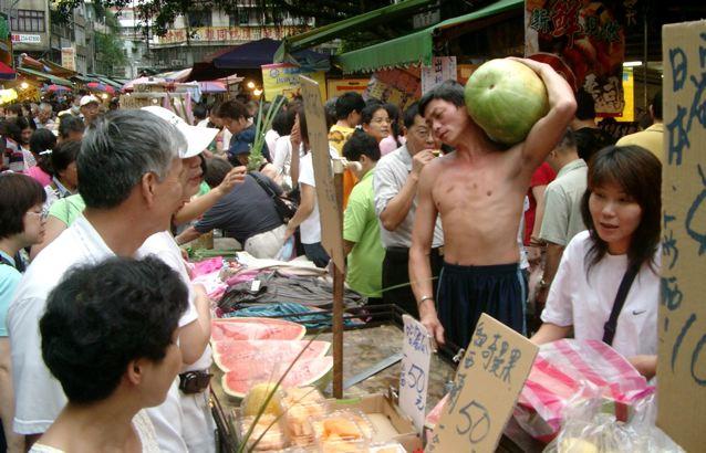 Straßenmarkt Stände