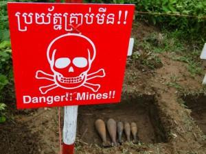 Kambodscha Minenfeld Schild